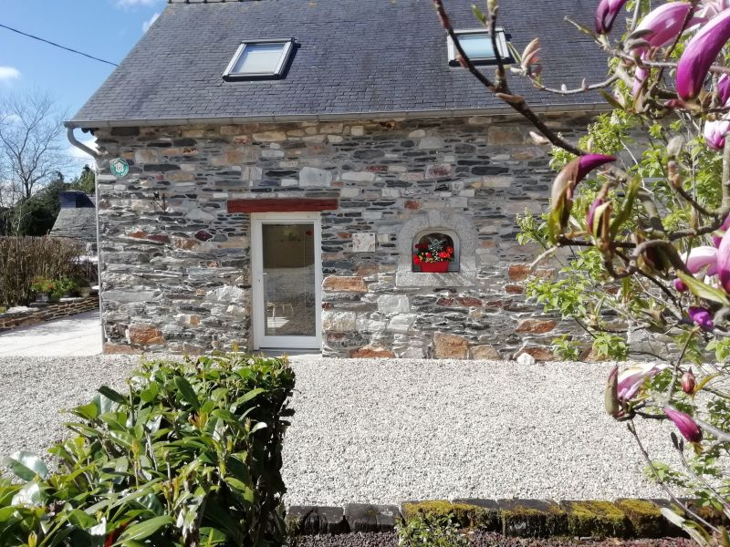 Outside view Location Self-catering property 13634 Morlaix