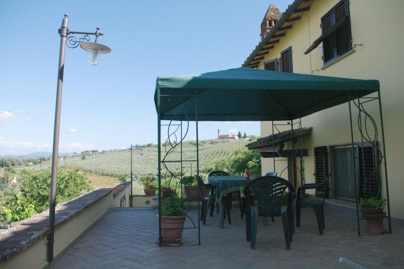 Terrace Location Apartment 14820 Florence