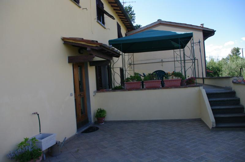 Hall Location Apartment 14820 Florence