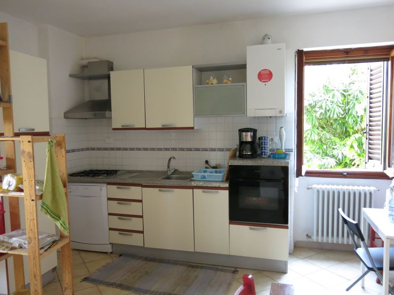 Kitchenette Location Apartment 14820 Florence