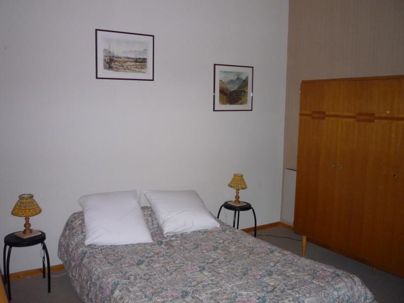 bedroom 2 Location Apartment 1547 La joue du Loup