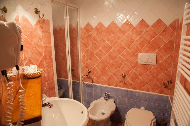 bathroom Location Apartment 16737