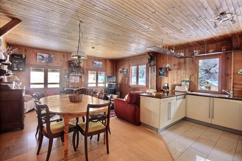 Open-plan kitchen Location Chalet 1949 Montriond