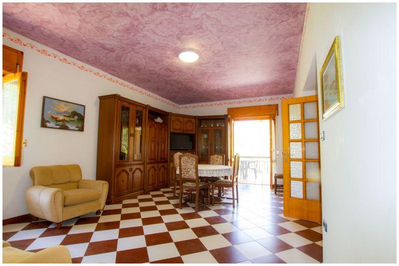 Dining room Location Villa 20490 Ascea