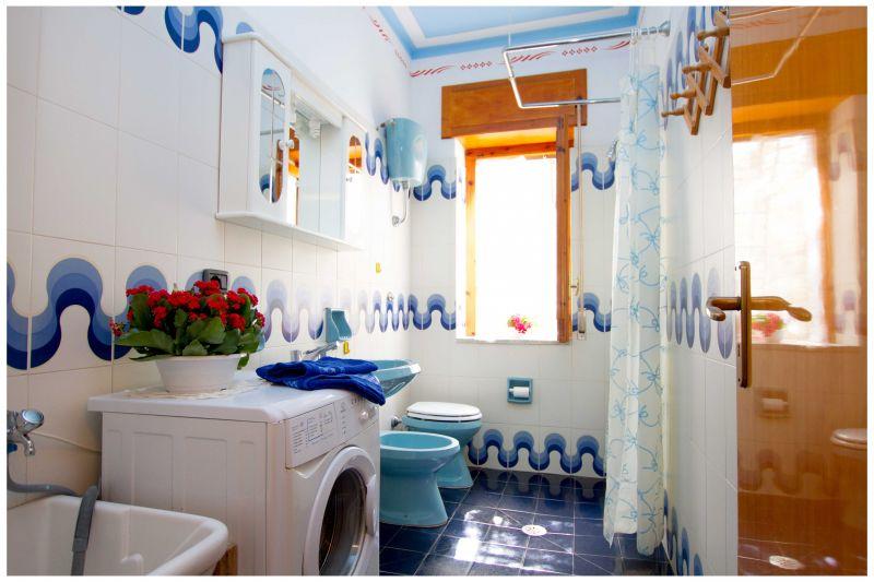 bathroom 2 Location Villa 20490 Ascea