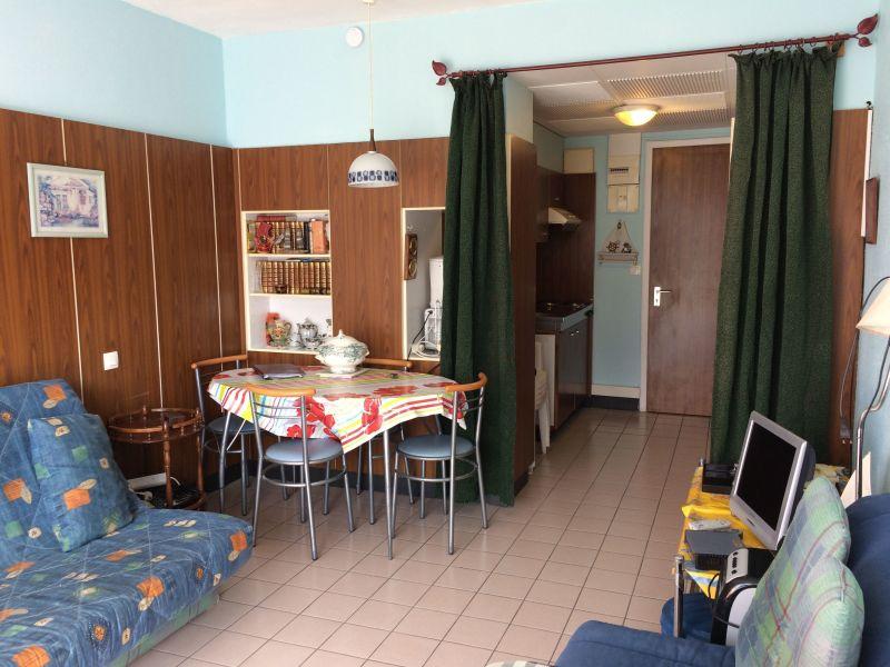 Dining room Location Studio apartment 20497 Aix Les Bains