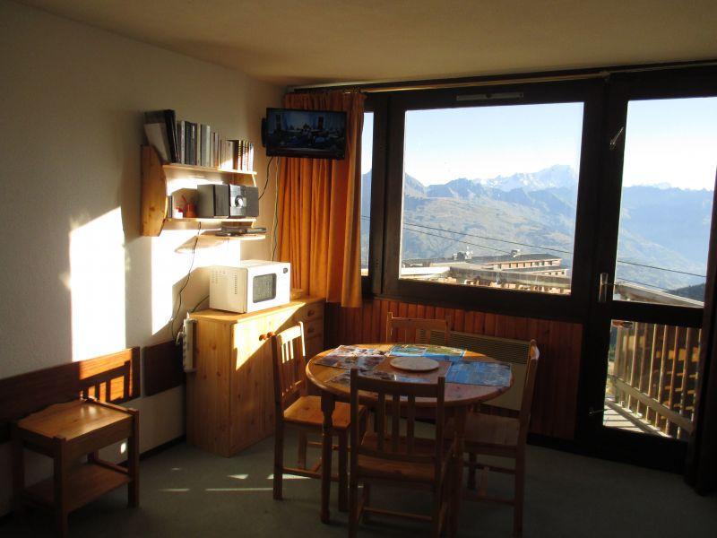 Dining room Location Studio apartment 2130 La Plagne