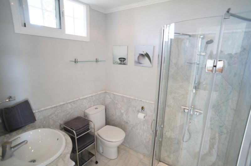 bathroom Location Apartment 24206 Marbella