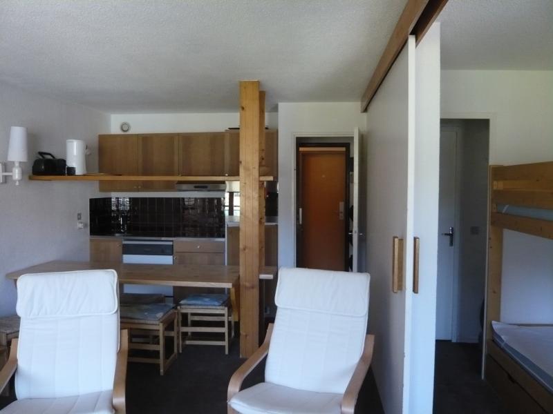 Dining room Location Studio apartment 28190 Val d'Isère