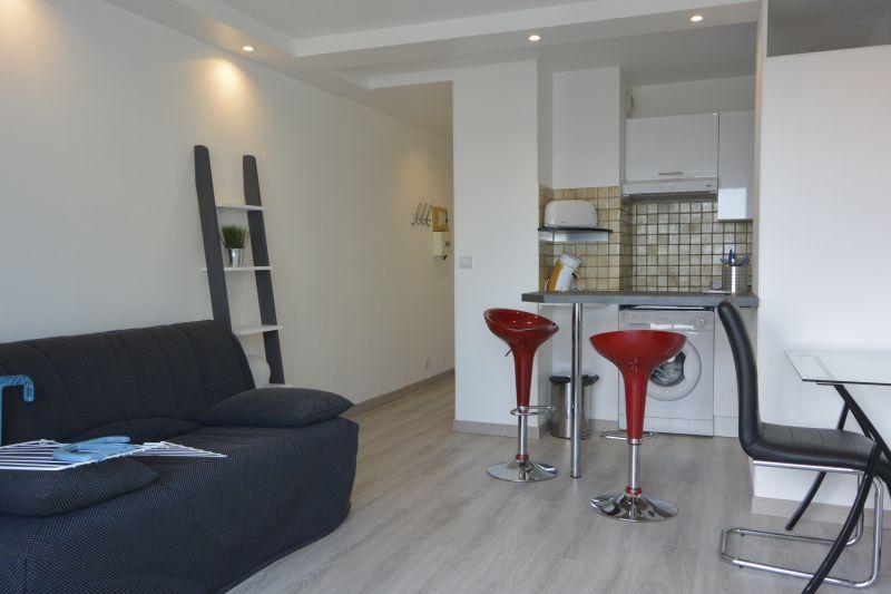 Location Studio apartment 30085 Biarritz