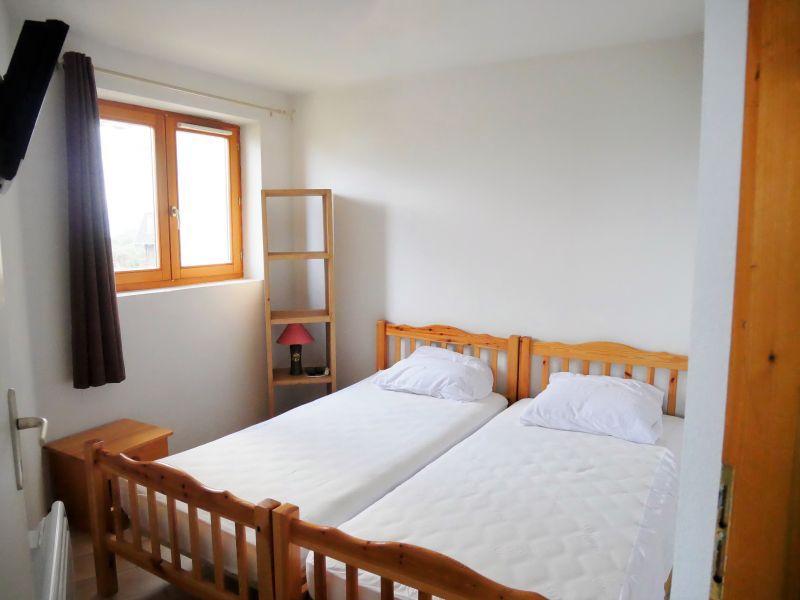bedroom 2 Location Apartment 3080 Thollon Les Mémises