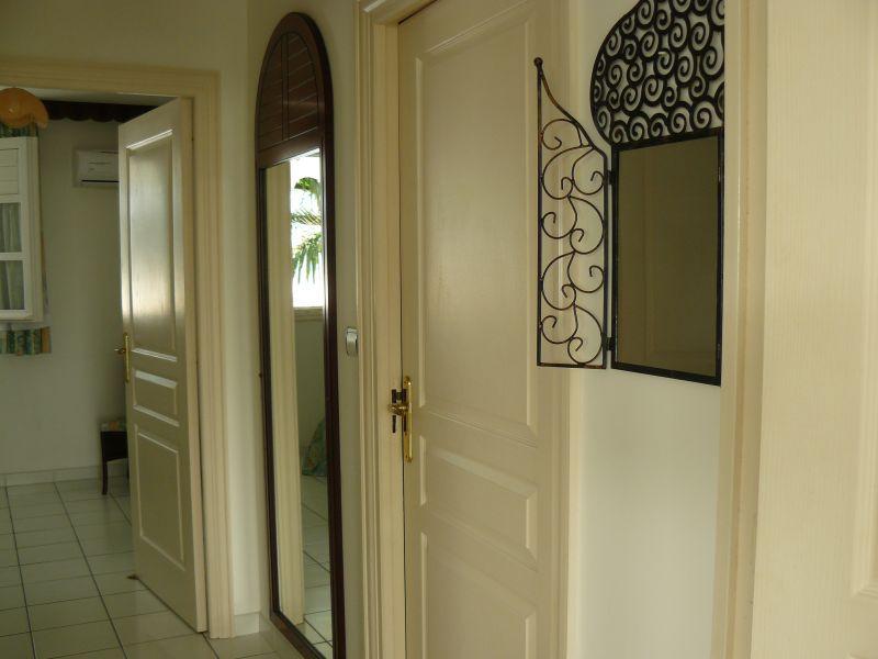 Corridor Location Apartment 31362 Saint Francois