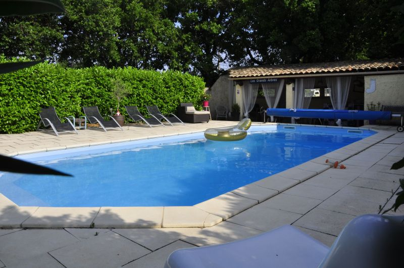Swimming pool Location Self-catering property 33456 Avignon