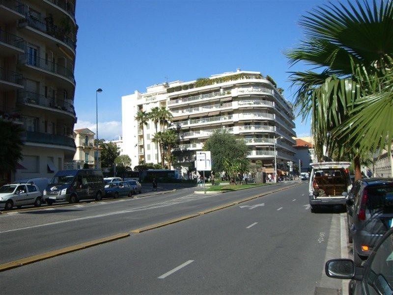 Surroundings Location Studio apartment 35014 Nice