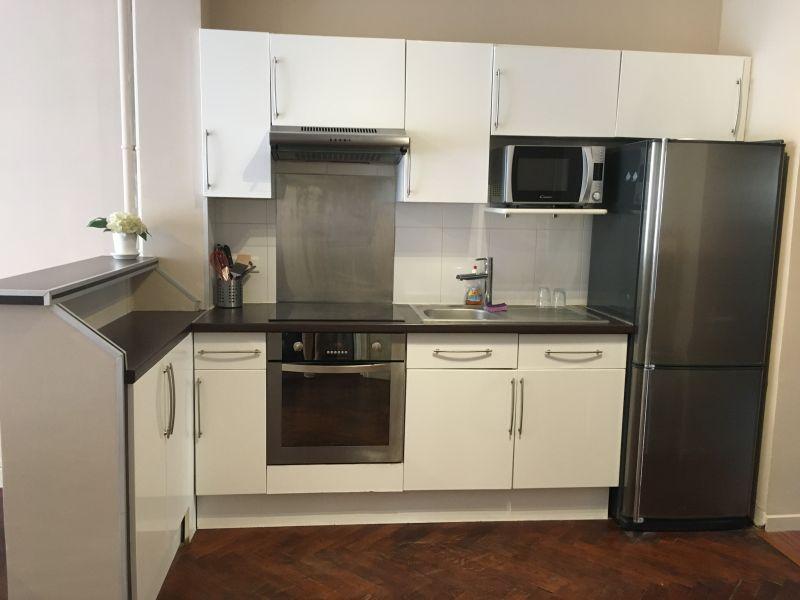 Open-plan kitchen Location Apartment 35019 Nice