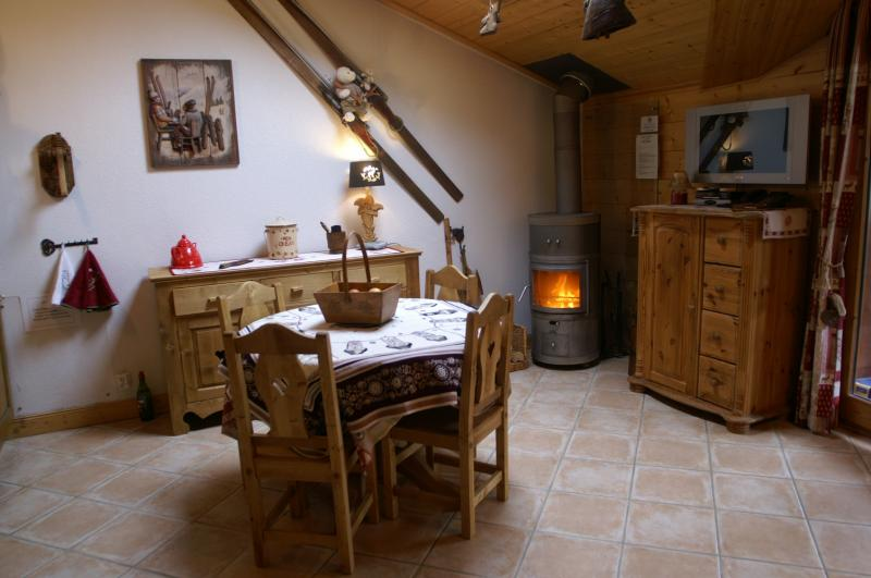 Open-plan kitchen Location Apartment 38850 Pralognan la Vanoise