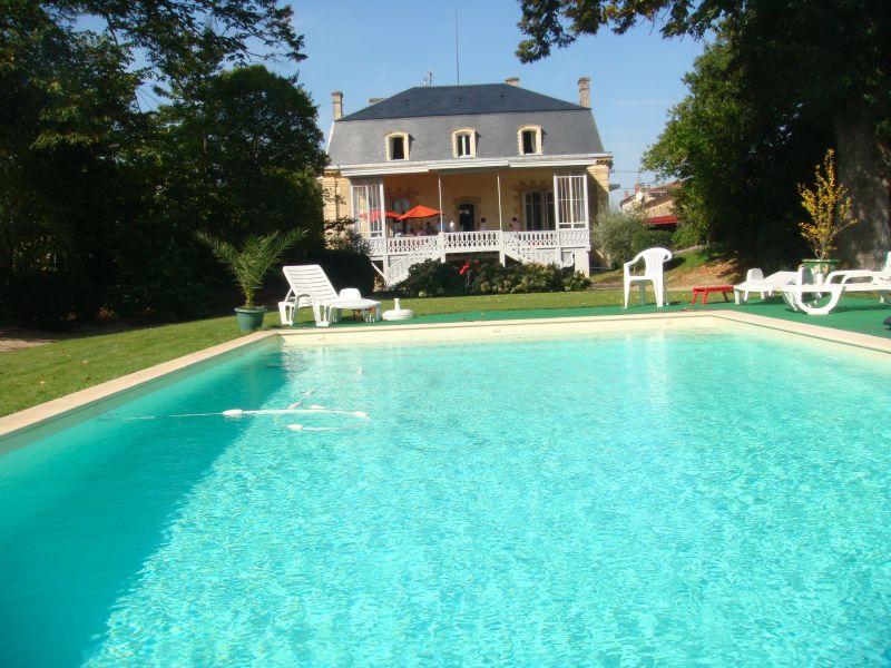 Outside view Location House 43881 Bordeaux