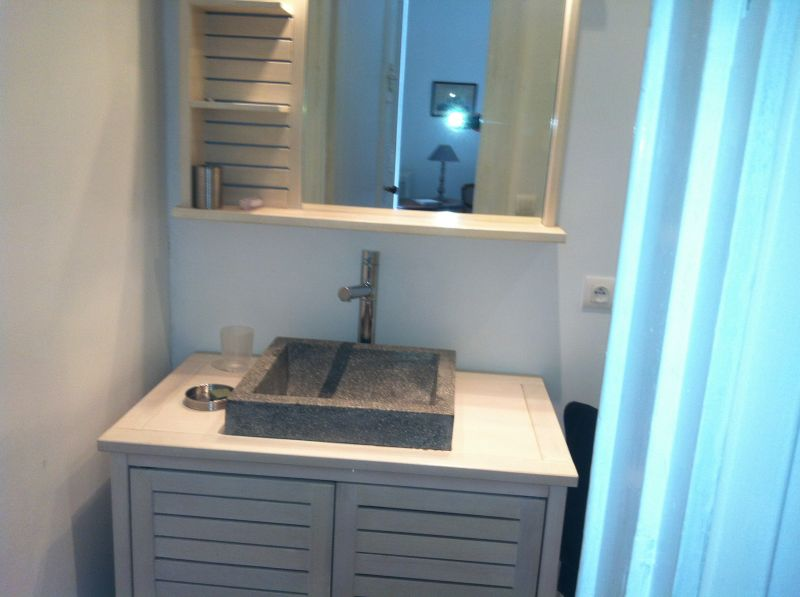bathroom 1 Location House 43881 Bordeaux
