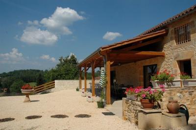 Terrace Location Self-catering property 51192 Villefranche du Périgord