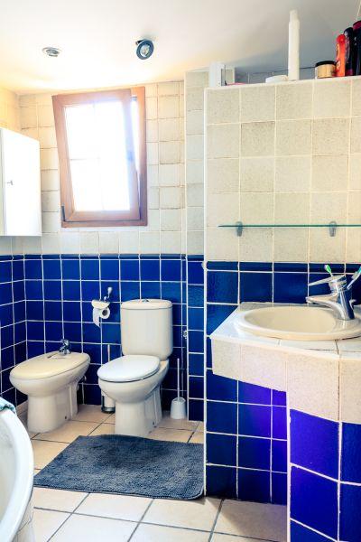 bathroom Location Villa 53410 Empuriabrava