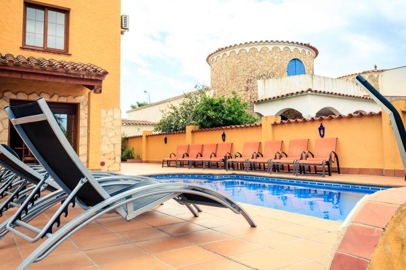 Swimming pool Location Villa 53410 Empuriabrava