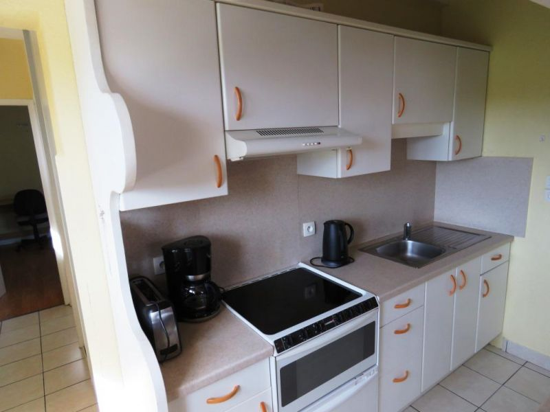 Open-plan kitchen Location Apartment 53932 Anglet