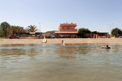 Swimming pool Location Studio apartment 54837 Roda