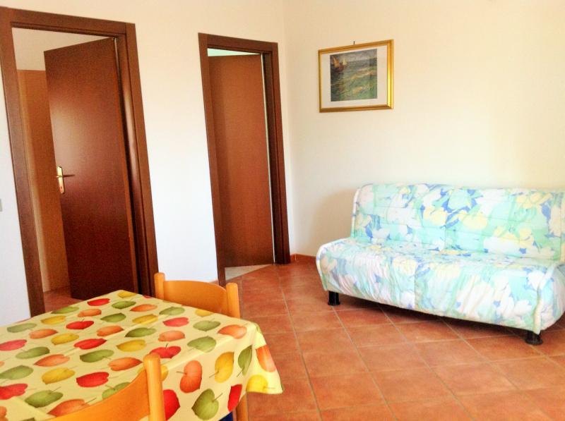 Open-plan kitchen Location Apartment 54877 Isola di Capo Rizzuto