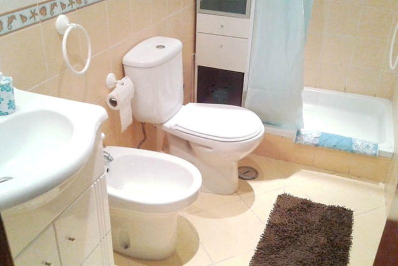 bathroom 2 Location Villa 55207 Lisbon