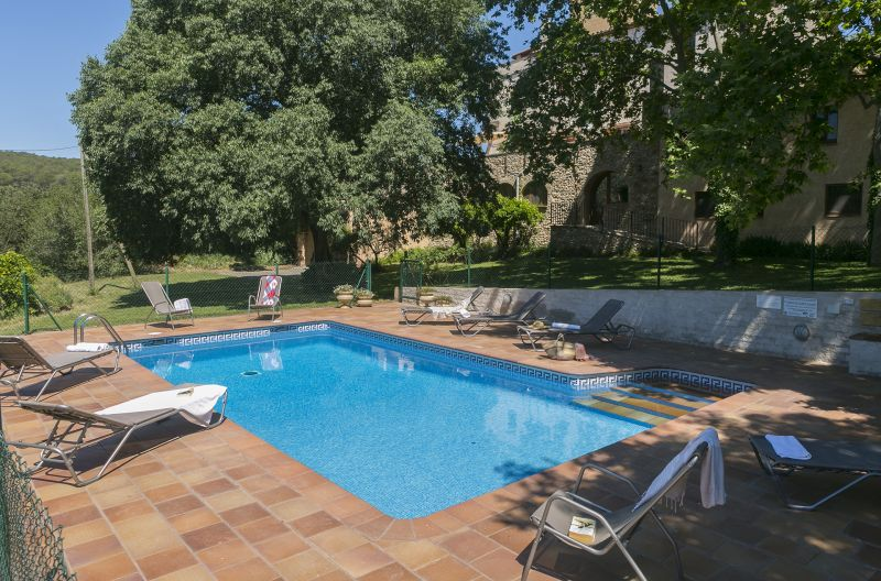 Swimming pool Location Self-catering property 55342 Figueres