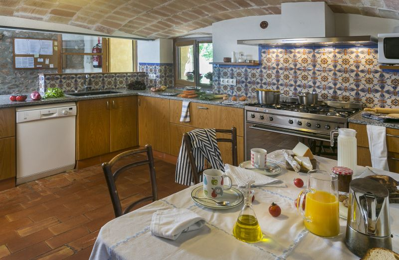 Sep. kitchen Location Self-catering property 55342 Figueres