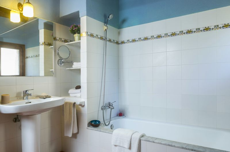 bathroom 1 Location Self-catering property 55342 Figueres