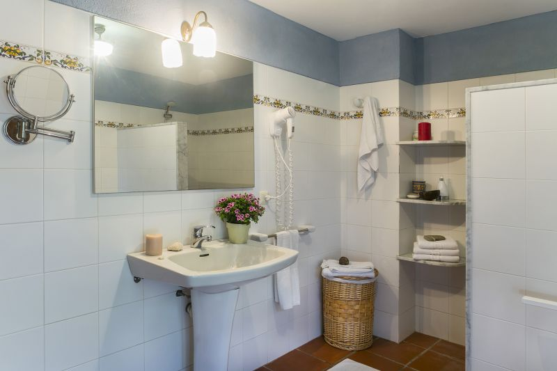 bathroom 2 Location Self-catering property 55342 Figueres