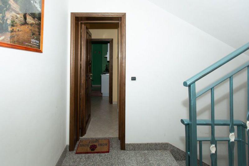 Hall Location Apartment 57459 Avola