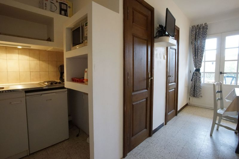 Kitchenette Location Studio apartment 5771 Hyères