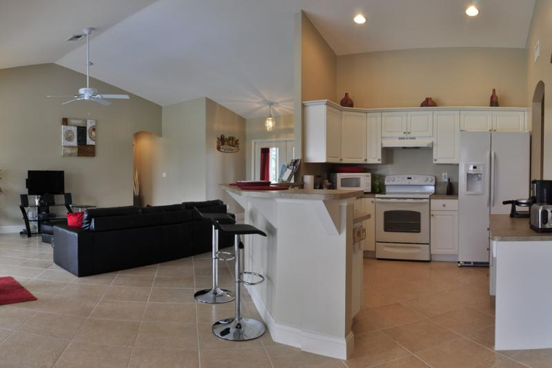 Open-plan kitchen Location Villa 57904 Cape Coral