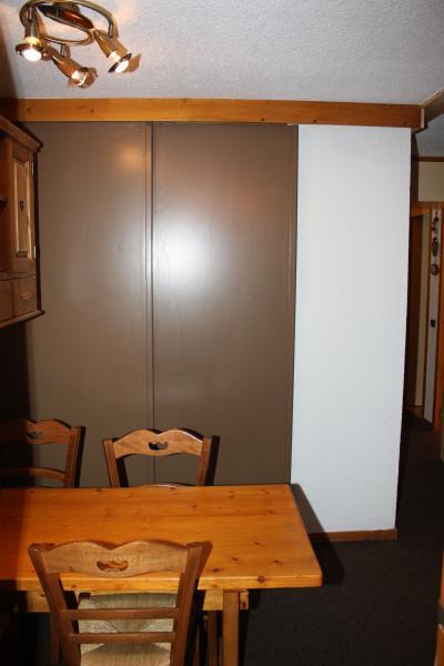 Dining room Location Studio apartment 57992 La Plagne