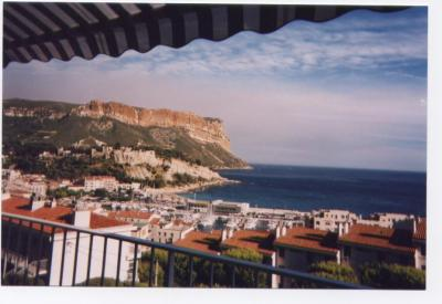 View from terrace Location Flat 59359 Cassis