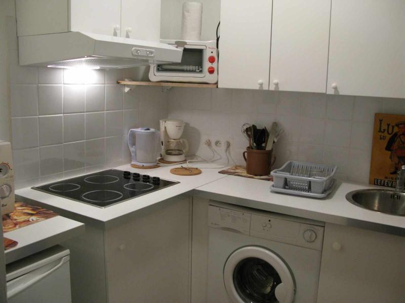 Sep. kitchen Location Studio apartment 5963 Marseille
