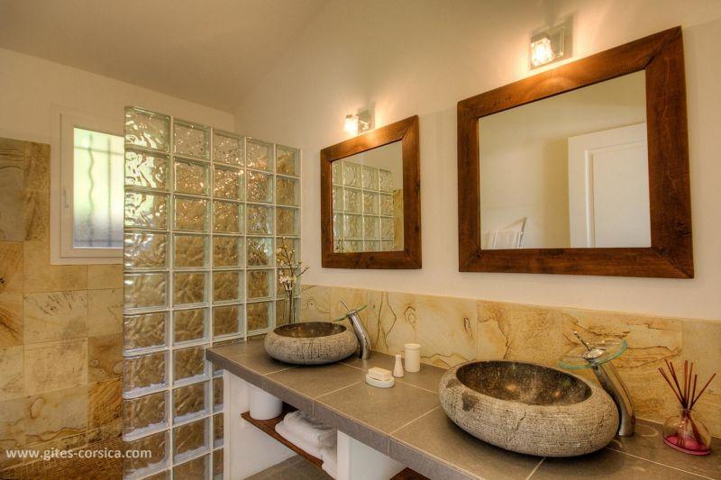 Washing facilities 1 Location Villa 59939 Porto Vecchio