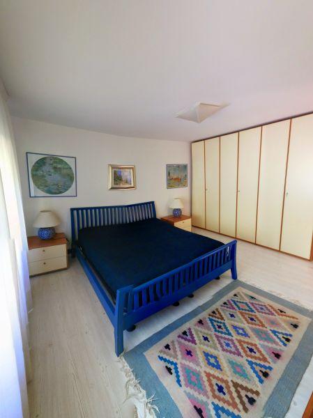 bedroom 1 Location Villa 61113 Garda