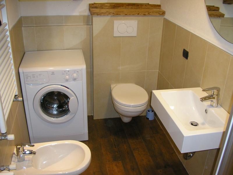 bathroom Location Apartment 61306 Civetta