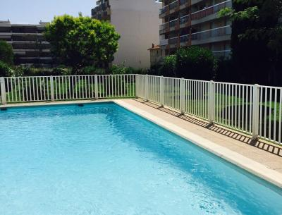 Swimming pool Location Studio apartment 62512 Juan les Pins
