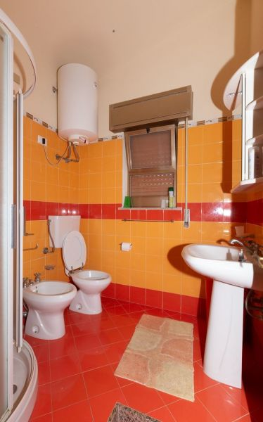 bathroom Location Apartment 63092 Avola