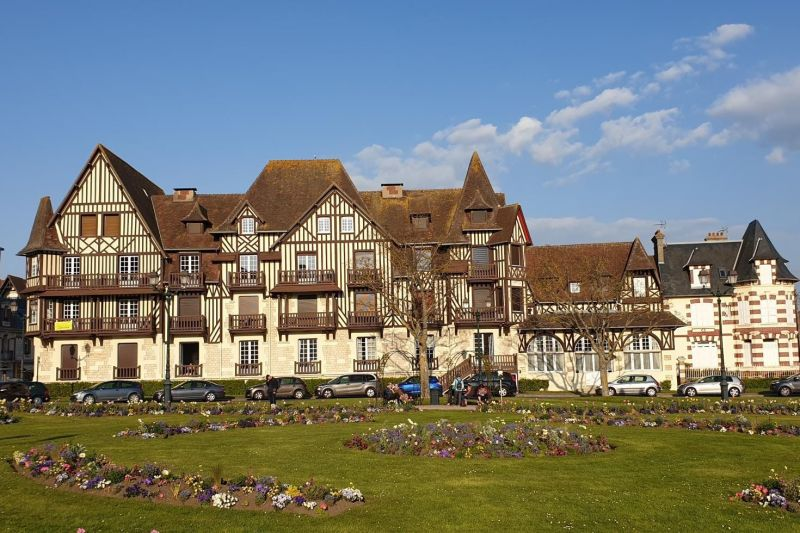 Outside view Location Apartment 63247 Cabourg
