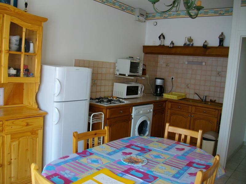 Open-plan kitchen Location Apartment 7752 Le Touquet