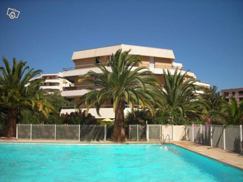 Swimming pool Location Studio apartment 8501 Saint Raphael