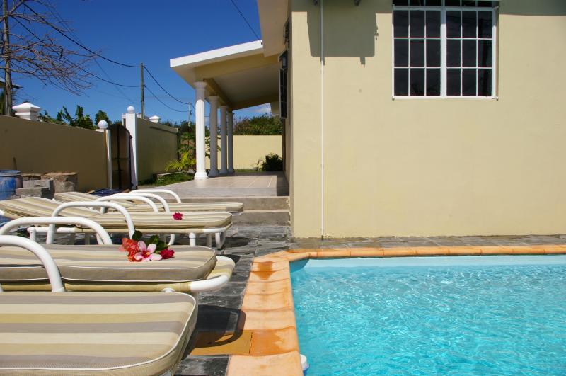 Swimming pool Location Villa 9527 Grand Baie