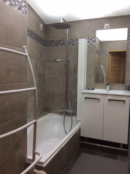 bathroom Location Apartment 103673 Risoul 1850