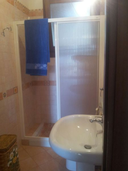 bathroom 2 Location Villa 105374 Tre Fontane